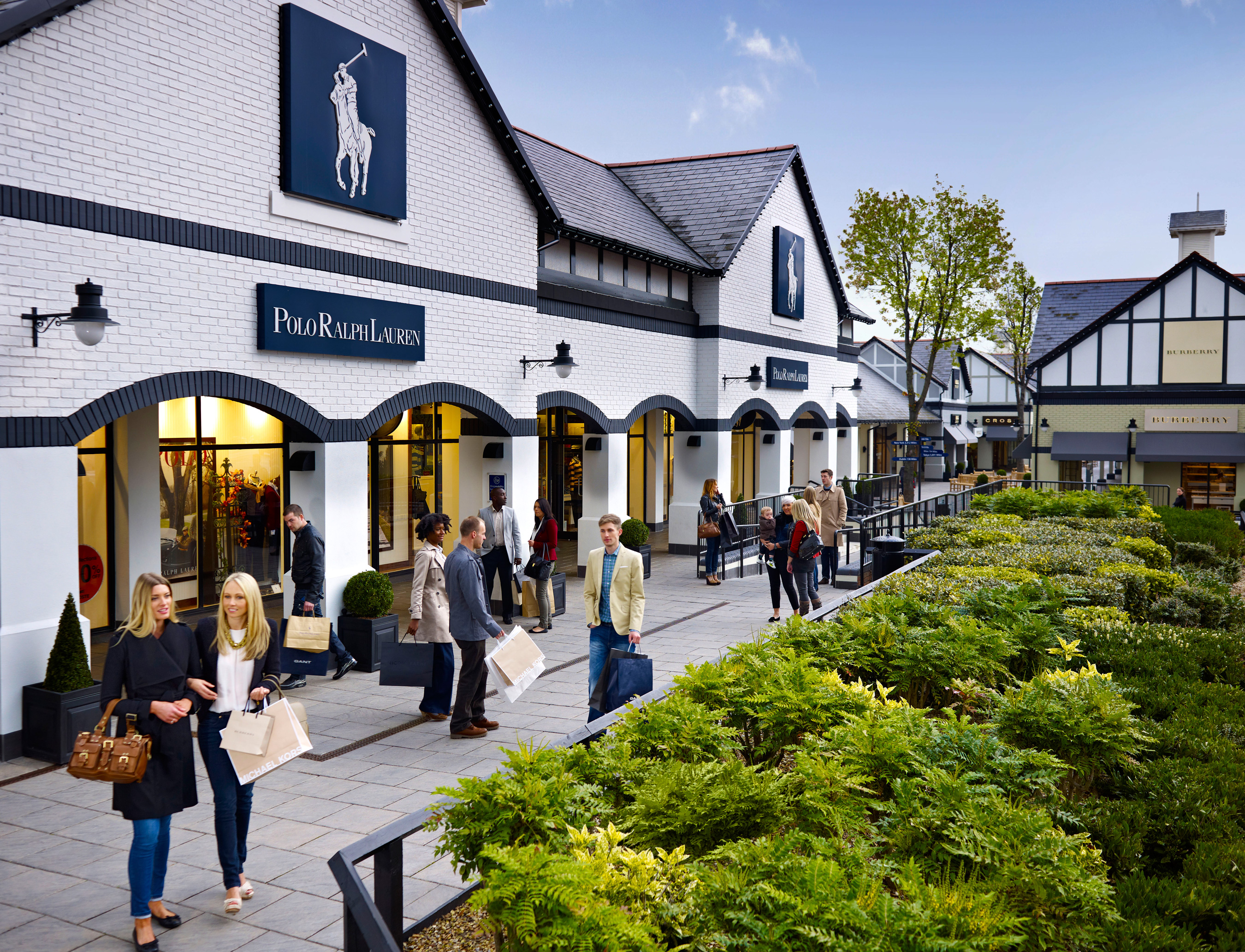 Matt-Stansfield-Photographer-lifestyle-McArthur-Glen-Cheshire-Oaks-shopping-673